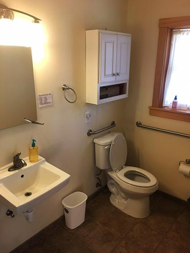 Male Quad - Bathroom